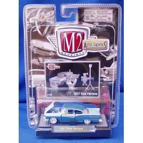 Miniaturas M2 Diecast Ford Fairlane (1957) série 4A R04A 31500