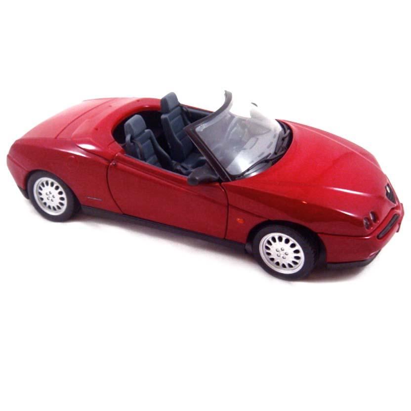 Miniaturas Maisto escala 1/18 : Alfa Romeo Spider