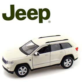 Miniaturas Maisto Jeep Grand Cherokke Laredo (2011) escala 1/24