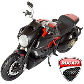 Miniaturas Maisto Motos escala 1/12 - Ducati Diavel Carbon