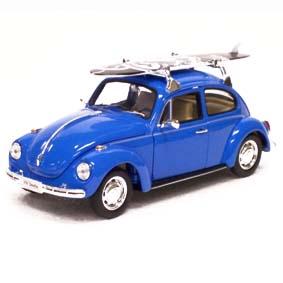 Miniaturas Welly escala 1/24 Fusca com prancha de surf (Volkswagen Beetle)