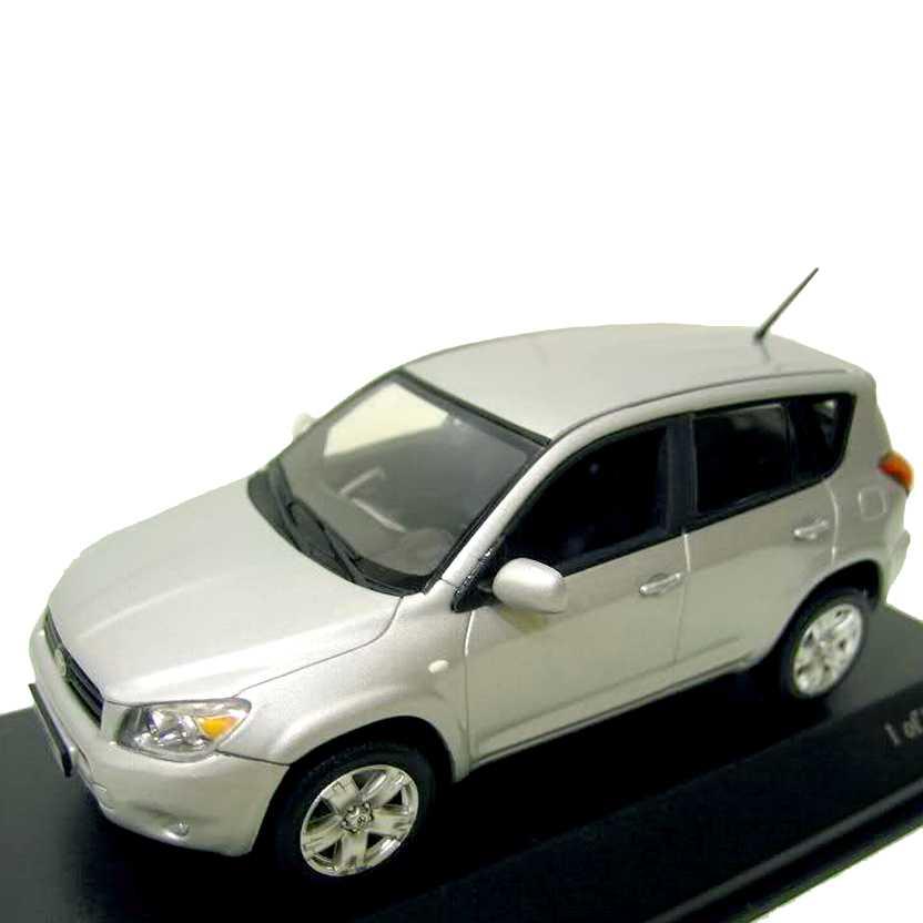 Minichamps escala 1/43 - Toyota RAV4 (2005)