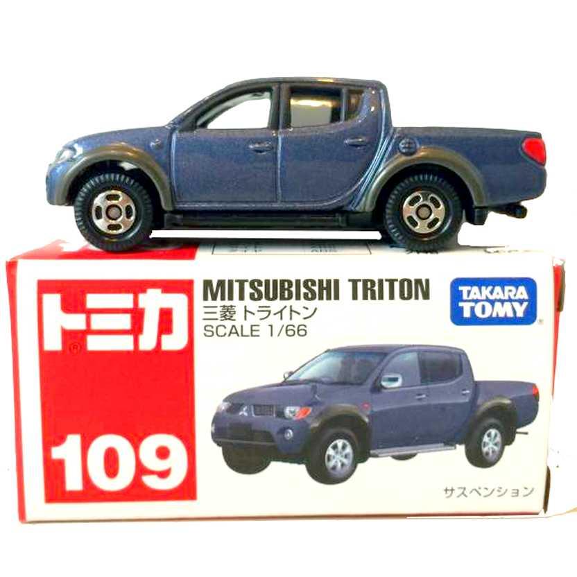 Mitsubishi Pickup L200 Triton escala 1/66 marca Takara / Tomy