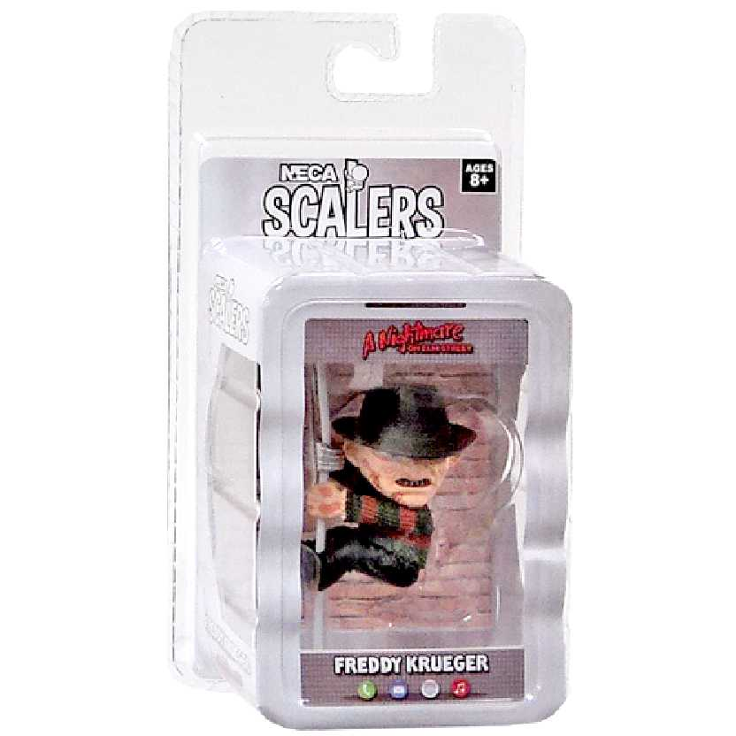 Neca Scalers Series 1 Freddy Krueger (A Hora do Pesadelo) Mini Figure