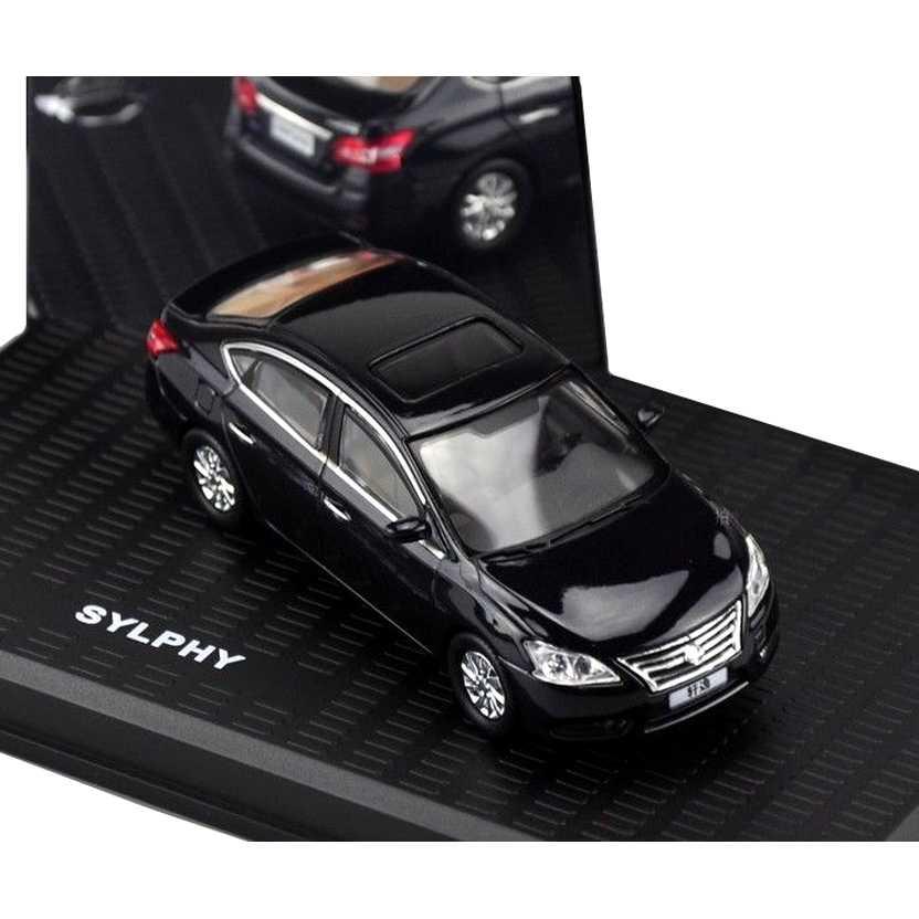 Nissan Sentra preto (2014) Nissan Sylphy escala 1/43