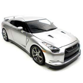 Nissan Skyline GT-R (2009) similar do Brian Fast and Furious 6 escala 1/18