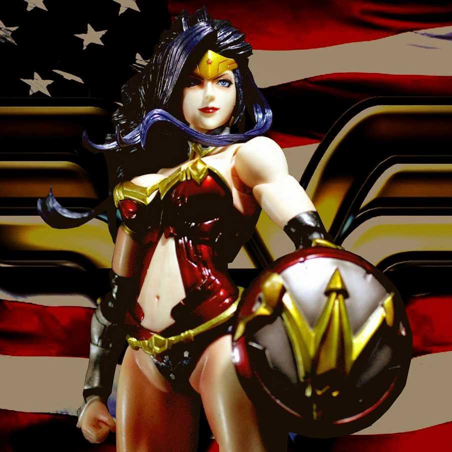 Play Arts Kai DC Variant Wonder Woman ( Mulher Maravilha ) Square Enix action figure