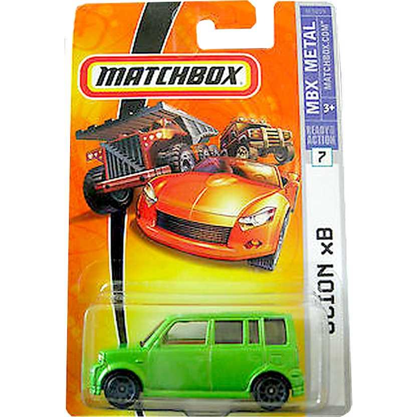 Poster Matchbox 2007 Scion xB verde metálico M3859 series 7 escala 1/64