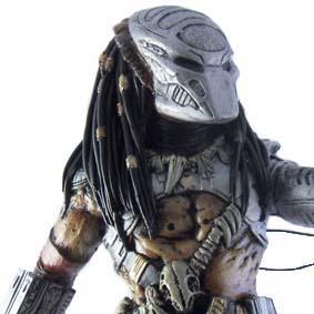 Predador com máscara removível - Predator Statue