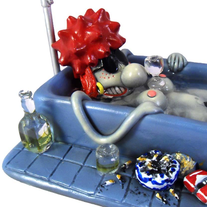 Rê Bordosa na banheira