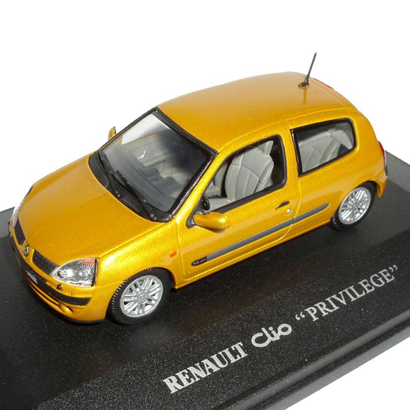 Renault Clio Privilege 2 portas 1.6 16V Jaune Soleil marca Universal Hobbies escala 1/43