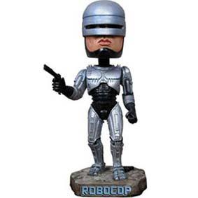 Robocop (balança a cabeça)