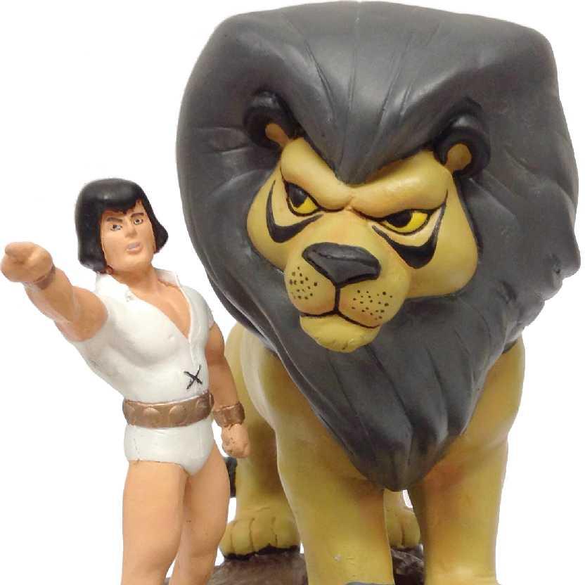 Sansão e Golias (diorama em resina)