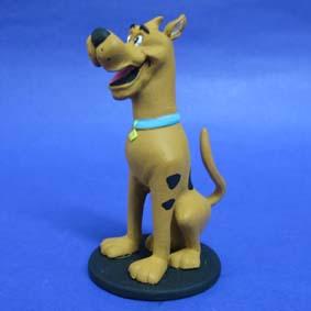 Scooby Doo sentado
