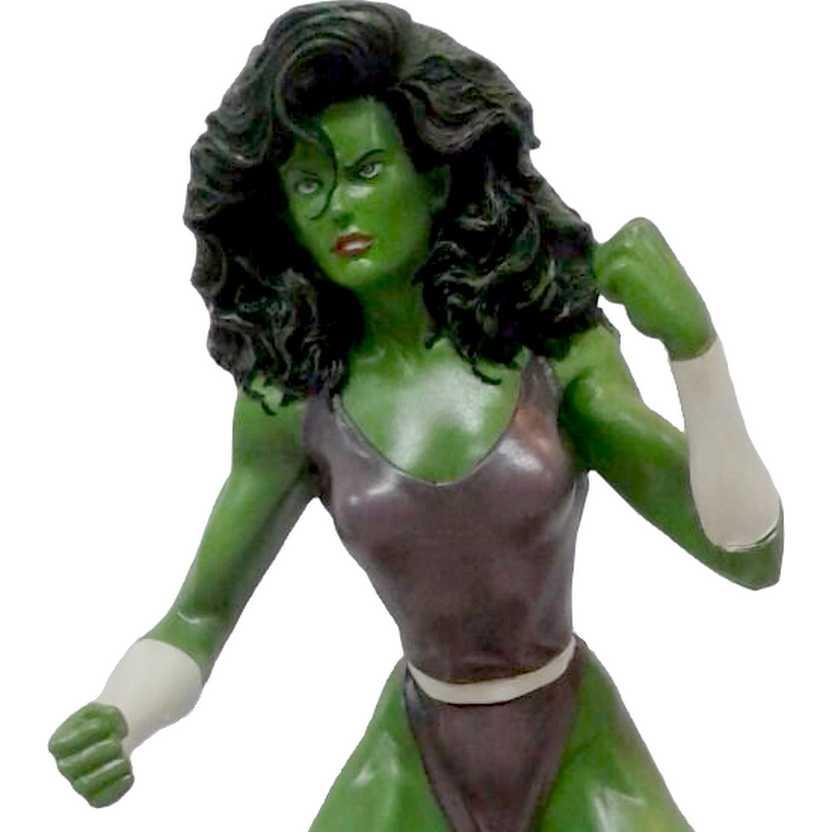 She Hulk estátua em resina