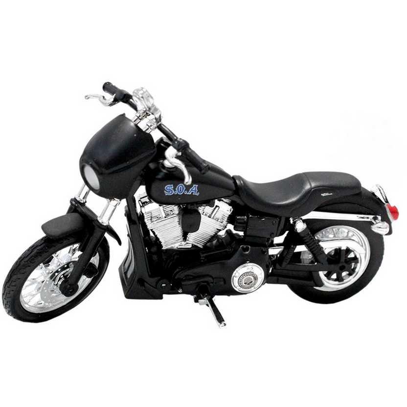 Sons of Anarchy Alex Tig Trager - Harley-Davidson 2006 Dyna Street Bob - Maisto escala 1/18