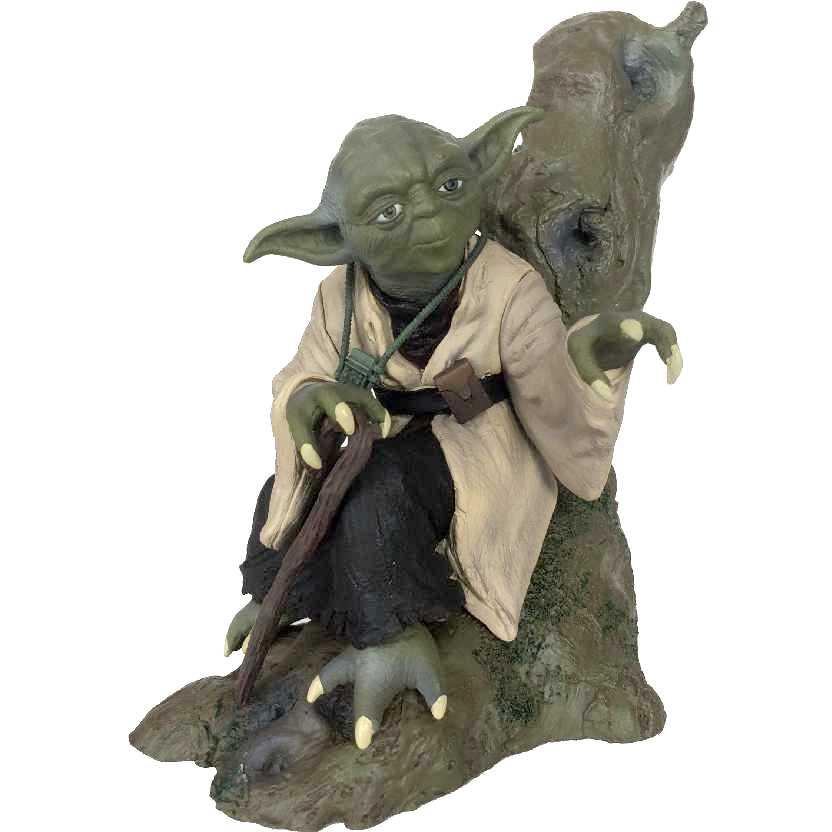 Star Wars YODA (The Empire Strikes Back) ARTFX+ escala 1/7 (ABERTO)