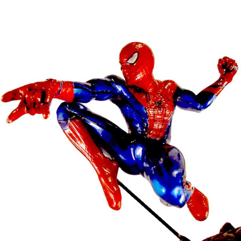 The Amazing Spider-Man ( O Espetacular Homem-Aranha com gárgula )