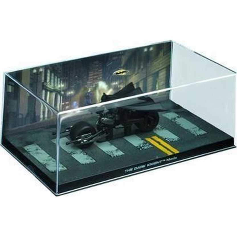 The Dark Knight Movie Bat-Pod Batman Automobilia Eaglemoss Num. 11 com caixa de acrílico