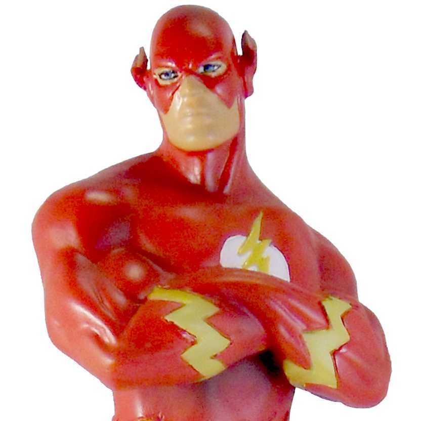 The Flash com logo na base - estátua em resina