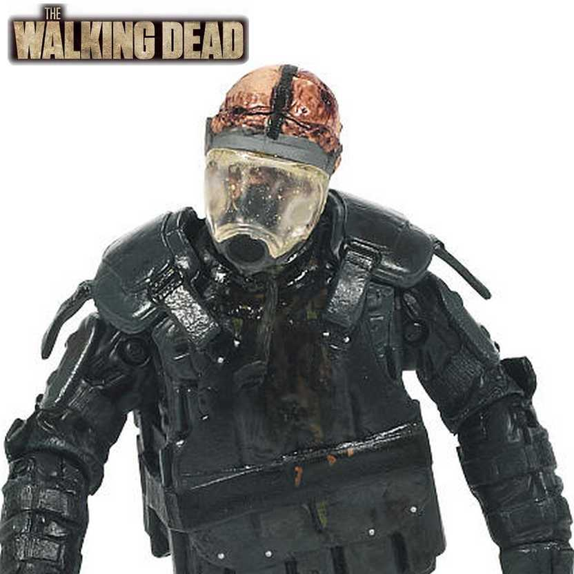 The Walking Dead AMC TV series 4 - Riot Gear Zombie Gas Mask McFarlane Action Figure