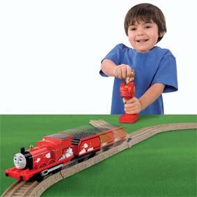 Thomas e seus Amigos Fisher Price Trackmaster Brinquedos :: James Controle Remoto