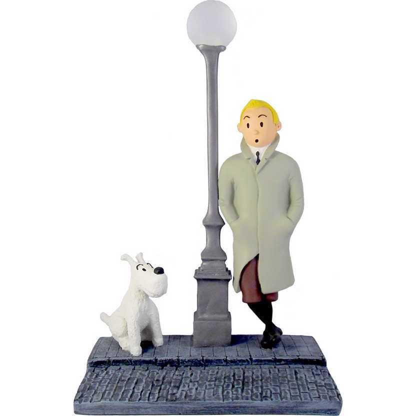 Tintin e Milu com diorama