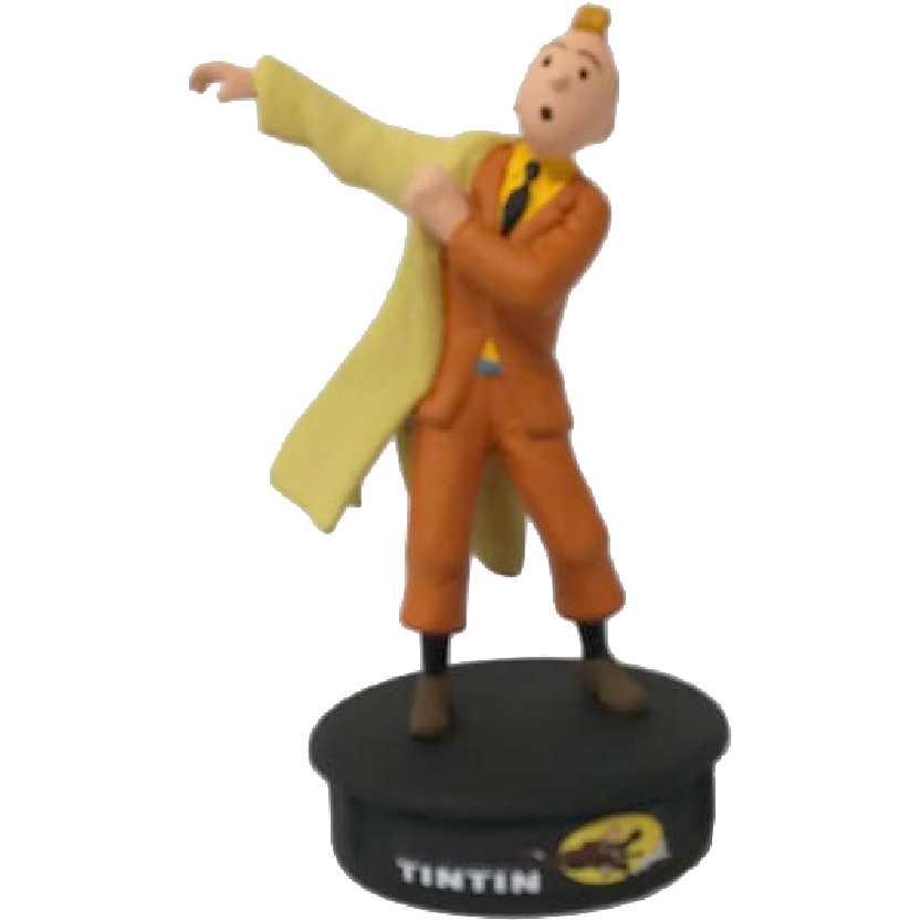 Tintin vestindo sobretudo
