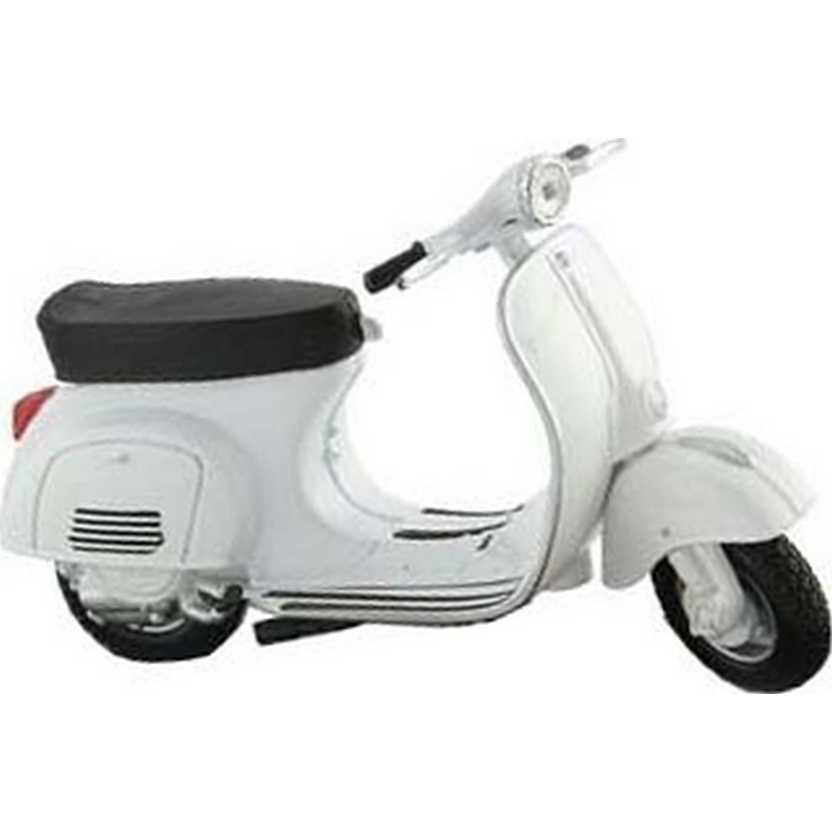 Vespa 50L (1966) Miniaturas de motos Vespa marca Maisto escala 1/18