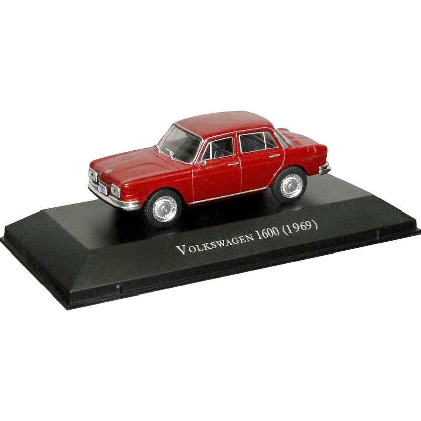 Volkswagen 1600 1969 Zé do Caixão Coleção Carros Inesquecíveis Do Brasil escala 1/43