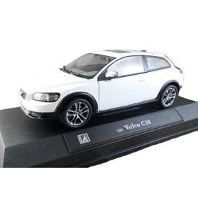 Volvo C30 TS ( similar aos carros do filme Crepúsculo ) Edward Cullen