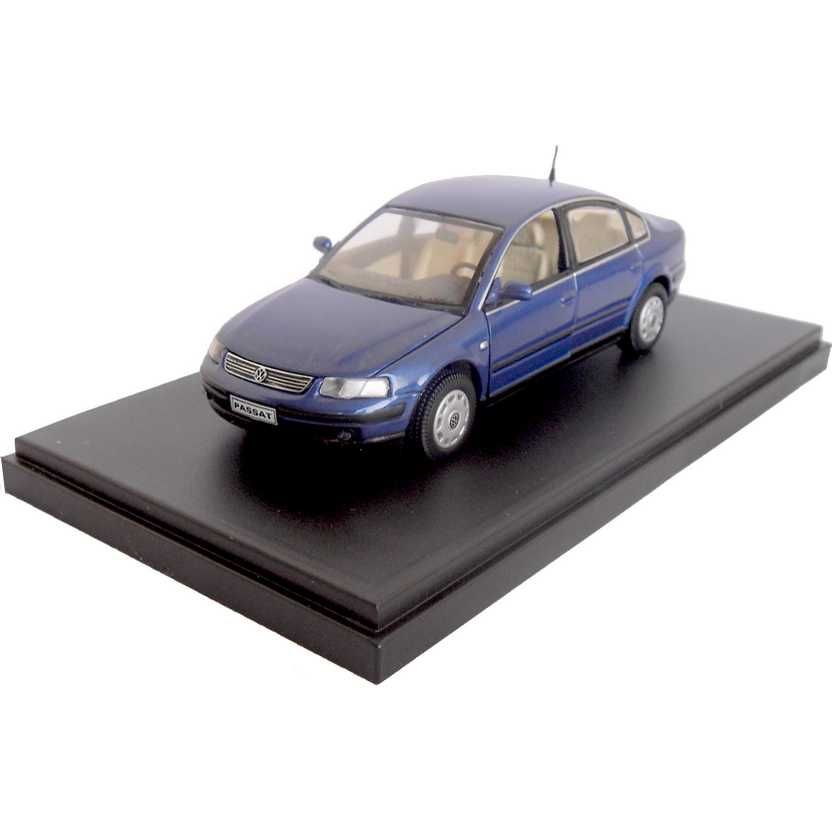 VW Passat marca Volkswagen escala 1/43