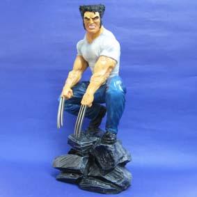 Wolverine ( Logan ) agachado