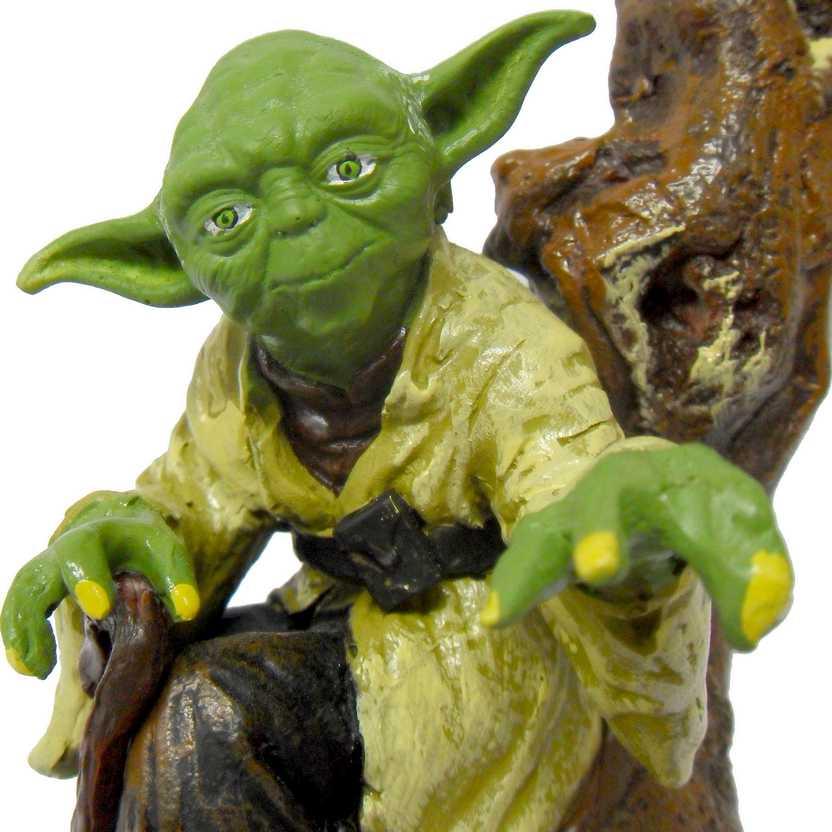 Yoda no tronco